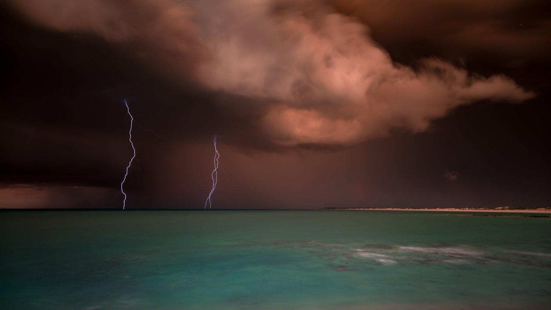 Cable beach lightning strike broome