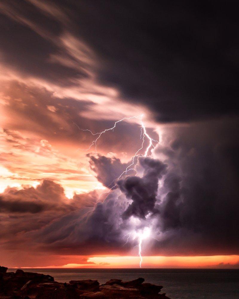 broome storm lightning strike